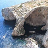 Blue Grotto, un paseo en barca por las aguas más turquesas de Malta (vídeo)