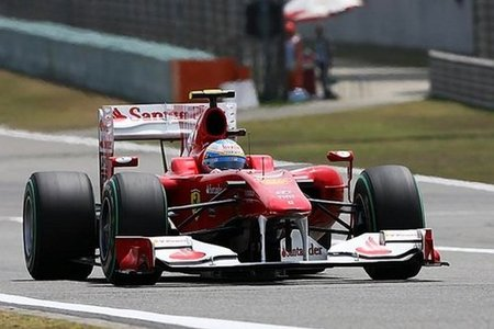 Fernando Alonso durante la Q1 del GP de China 2010