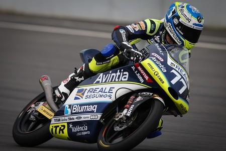 Livio Loi expulsado: Vicente Pérez sube a Moto3 como sustituto con homenaje al fallecido Andreas Pérez