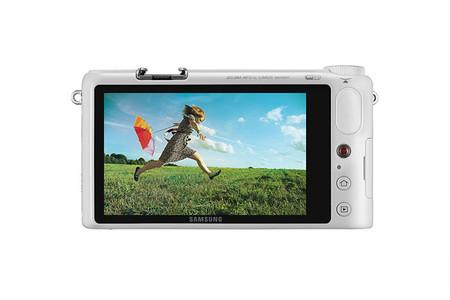 Samsung NX2000 - Pantalla de 3.7