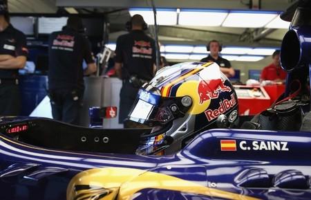 Daniel Ricciardo y Carlos Sainz Jr encabezan la tabla en el segundo día del Test de Jóvenes Pilotos