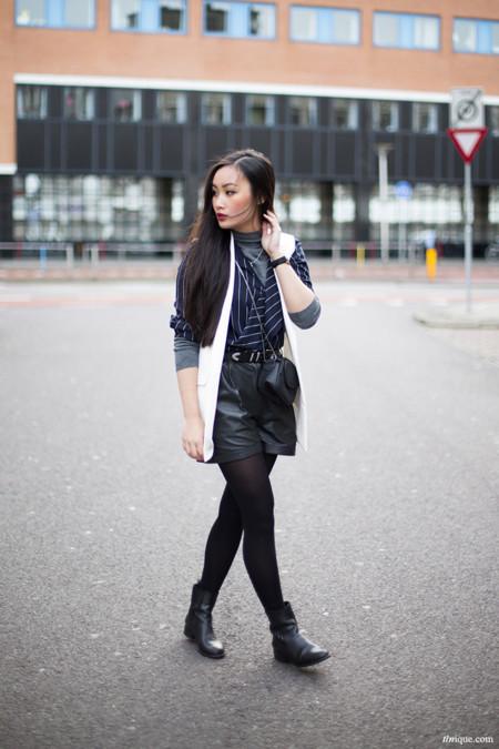Un estilo para cada día de la semana (15) enero 2014 shorts cuero negro y camisa raya diplomática