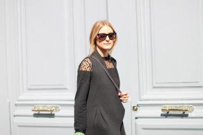 Street Style Semana de la Moda de París: looks veraniegos en pleno otoño