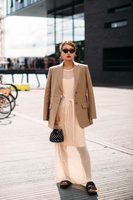 Street Style Vestido Maxi Entretiempo 2021 03