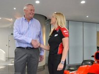 María de Villota, tercer piloto de Marussia F1 Team