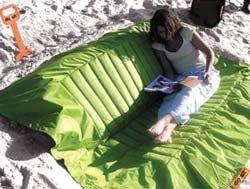 Llévate el sofá a la playa