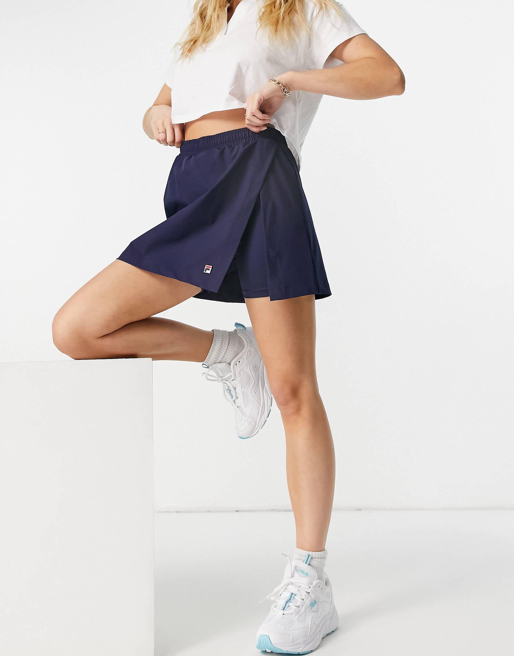 Falda pantalón azul marino con logo cuadrado de Fila