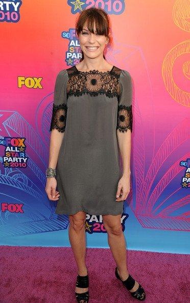 Look fiesta veraniega de Fox 2010 TCA. Katie Aselton