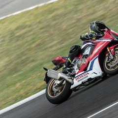 Foto 31 de 33 de la galería bridgestone-battlax-hypersport-s22-2019-prueba en Motorpasion Moto