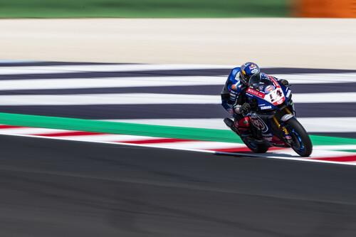 Toprak Razgatlioglu evita el triplete de Ducati y se mete de lleno en la pelea por el mundial de Superbikes