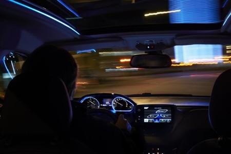 Peugeot 2008 interior iluminado LED