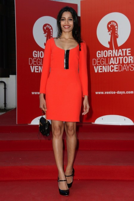 Freida Pinto Miu Miu vestido