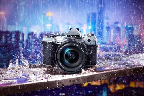 Olympus OM-D E-M5 Mark II, Nikon D850, Canon EOS 2000D y más cámaras, objetivos y accesorios en oferta: Llega Cazando Gangas