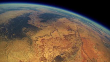 Una GoPro viaja al espacio en 2013, toma fotos increíbles y es recuperada en 2015