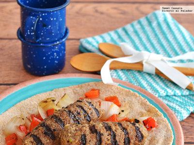 Kebabs de cordero con cebolla y pimiento. Receta