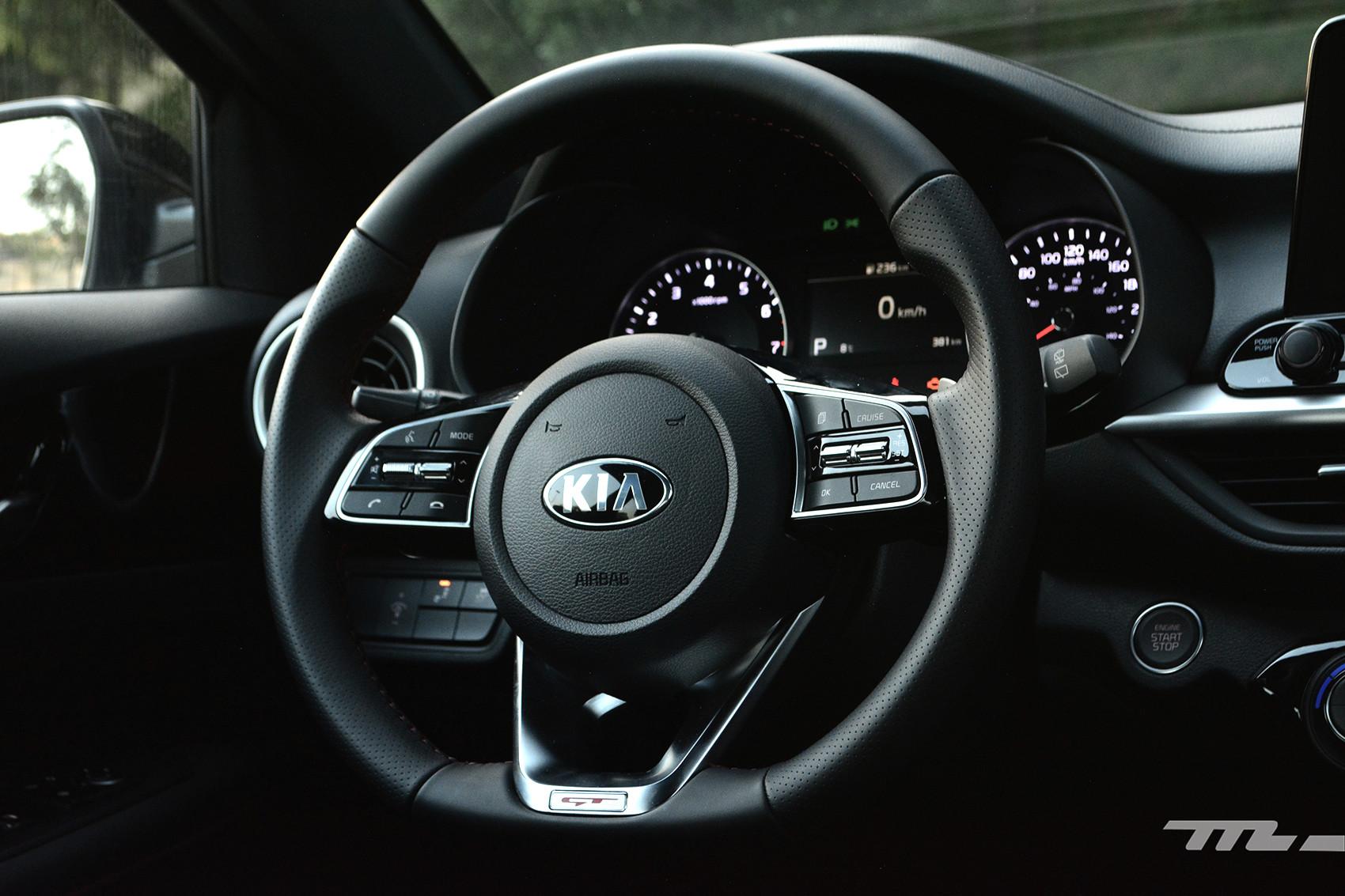 Foto de KIA Forte GT Hatchback (prueba) (12/23)