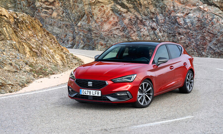 Los coches más vendidos en 2020: SEAT León, Dacia Sandero y Nissan Qashqai se llevan el 'top 3'