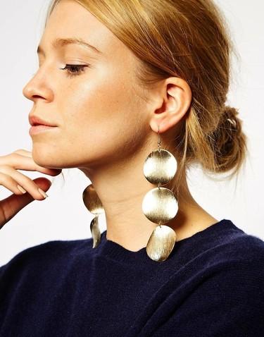 Adorna tus orejas con unos pendientes espectaculares para tus looks de fiesta