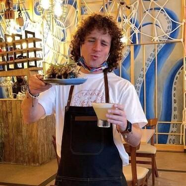 Luisito Comunica abre Bolichera 21 un restaurante de comida peruana en la Ciudad de México