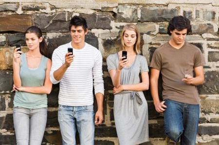 En México 96% de los jóvenes entre 20 y 30 años se comunican a través de redes sociales