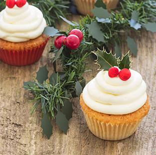 Cupcakes de limón con cobertura ligera de queso: receta de navidad para compartir o regalar