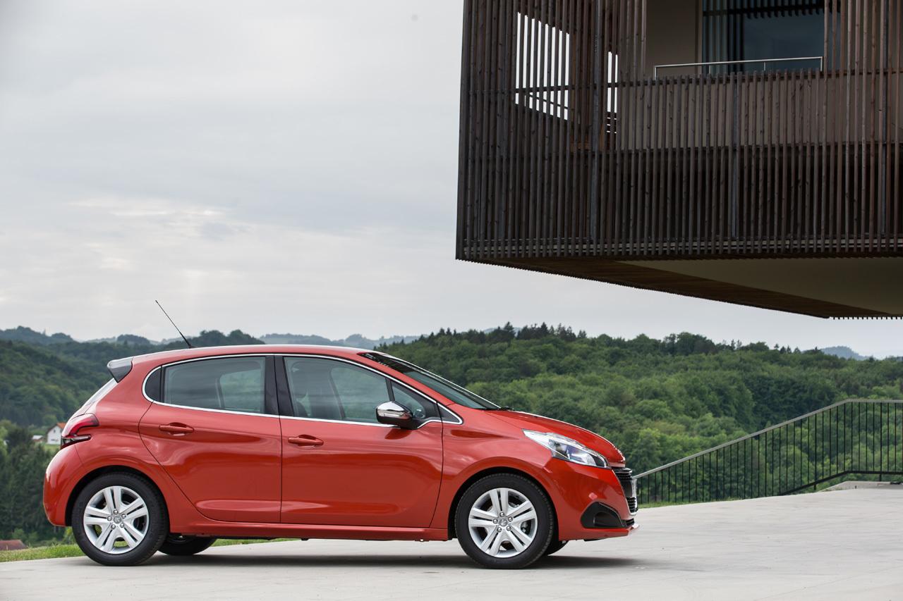 Foto de Peugeot 208 2015 (presentación) (19/34)