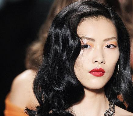 Foto de Liu Wen, una modelo china haciendo historia (19/20)