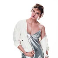 Karlie Kloss, la nueva imagen de Mango que introduce la colección New Metallics