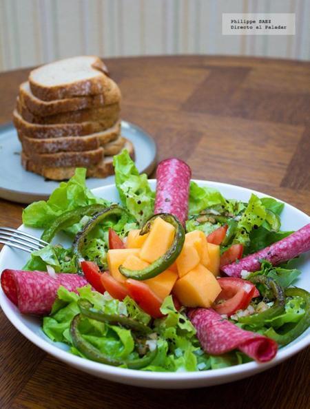 Ensalada de melón y salami. Recetas para el verano