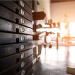 Para quemar grasa: ¿más repeticiones o más peso?