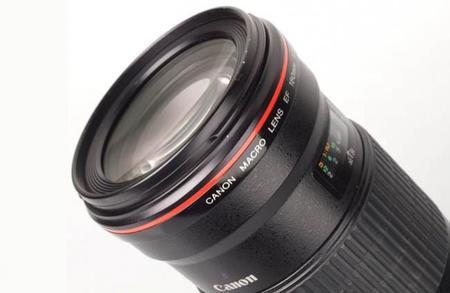 Canon introducirá estabilización híbrida en su objetivo EF 180 mm f/3.5L Macro IS