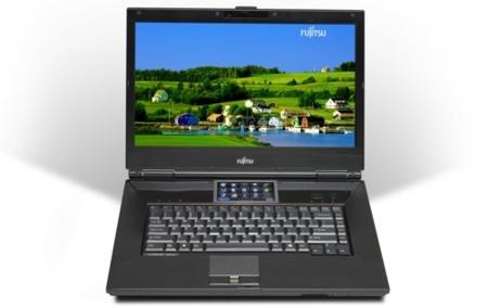 Fujitsu Lifebook N7010, portátil con dos monitores