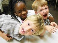 ¿Los niños se vuelven hiperactivos con las bebidas azucaradas?