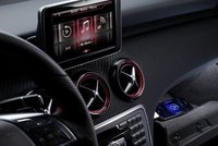 Mercedes Benz quiere poner Siri en sus autos