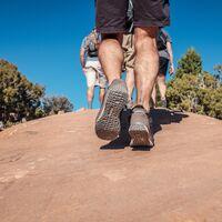 """Este """"exoesqueleto"""" no solo hace que caminar cueste menos esfuerzo, sino que genera energía"""