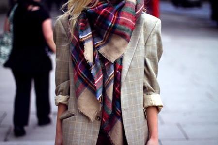 Clonados y pillados: ¿sabrías diferenciar estas bufandas de Mango de las de Zara (del año pasado)?