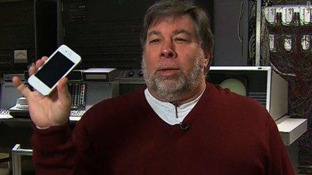 Steve Wozniak explica por qué se ha retrasado el iPhone blanco