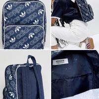 En Asos tenemos esta mochila Adidas Originals por 17,49 euros