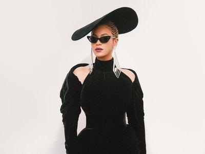 Queen Beyoncé posa como una diva en los Grammys y su hija apunta maneras de seguir el mismo camino