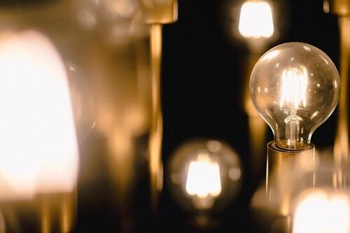Los tramos horarios de la tarifa de la luz ya no sirven: cómo saber cuándo es más barata la electricidad cada día