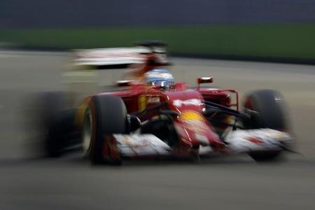 Fernando Alonso se queda a las puertas del podio en Singapur