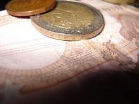 Es bueno que el euro caiga de valor
