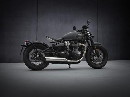 Triumph Bonneville Bobber 2021 001