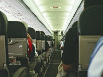 ¿Está cerca el fin del asiento reclinable del avion? Pues la mayoría lo quiere
