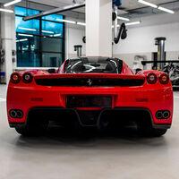 ¡Espectacular! Así es la lujosa colección de coches de Vettel que está a la venta... y no todos son Ferrari
