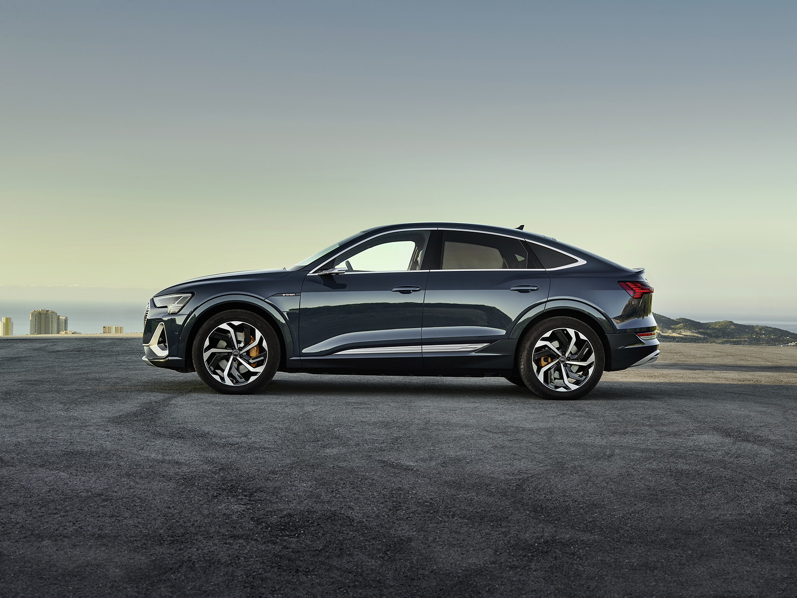 Foto de Audi e-tron Sportback (4/57)