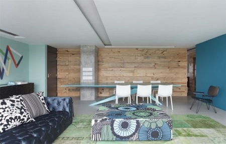 Puertas abiertas: en azul y verde un apartamento en Brasil