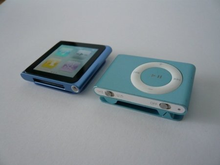 ipod-nano-vs-shuffle.JPG