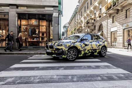 El BMW X2 se sigue paseando en público, esta vez en Milán