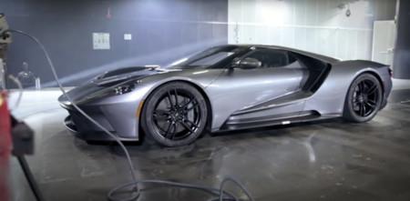Este Ford GT alcanza los 200 km/h en parado